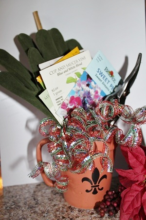 Assemble Interesting Flower Seed Packets, Garden Gloves And Hand Trowel Or  Pruning Shears And Place In A Flower Pot For A Quick Gift Any Gardener Will  Love.