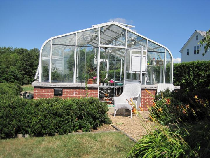 Choosing a Greenhouse Structure