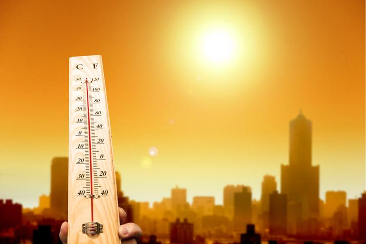 Heatwaves! Top 10 Tips to Stay Safe in Extreme Heat