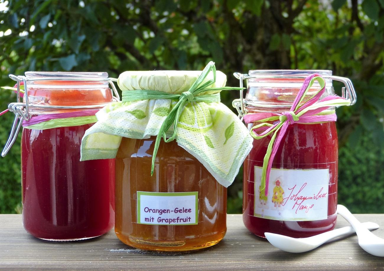Make Your Own Gift Jars: Holiday Craft