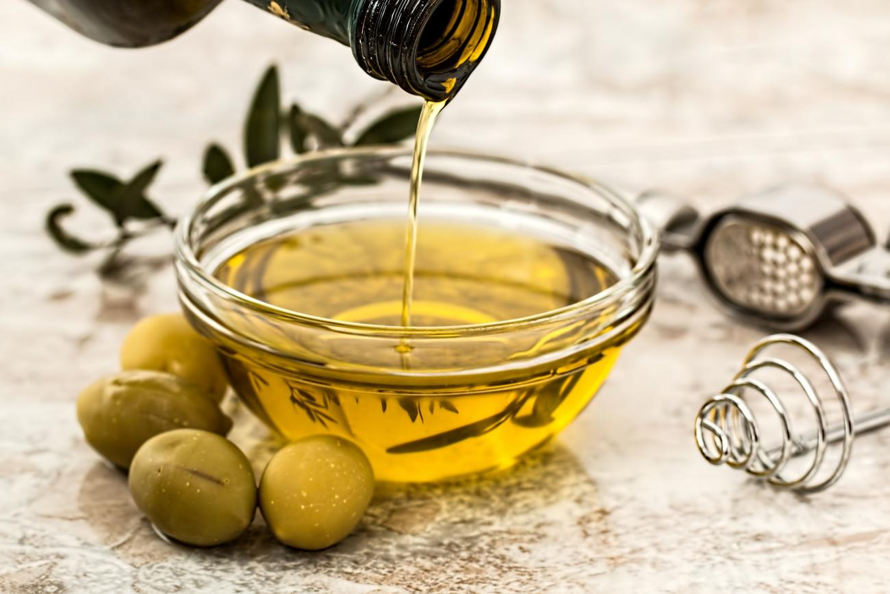 Earwax Removal with Olive Oil | The Old Farmer's Almanac