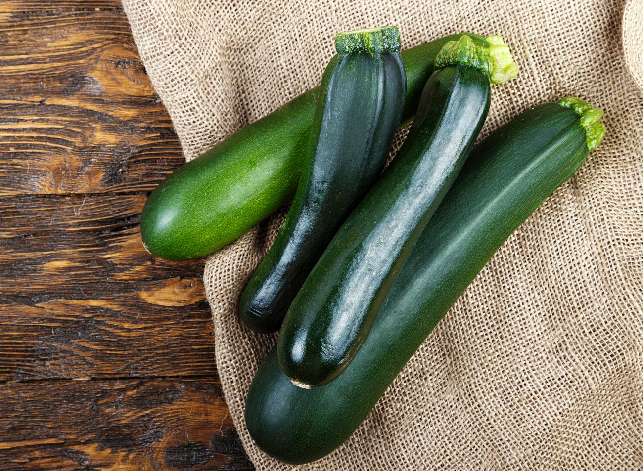 Squash (Zucchini): Planting, Growing, and Harvesting Summer and ...