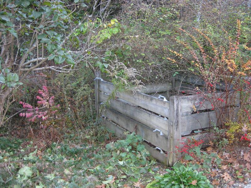 The Lazy Composter: Compost Fencing