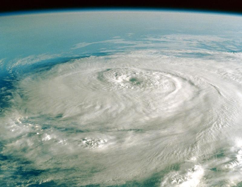 How To Survive A Hurricane Hurricane Safety Tips The Old