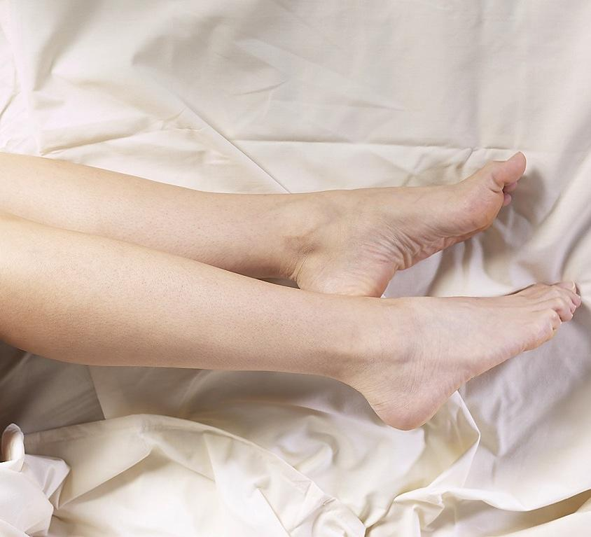 Leg Cramps at Night: Leg Cramp Causes and Remedies | Old
