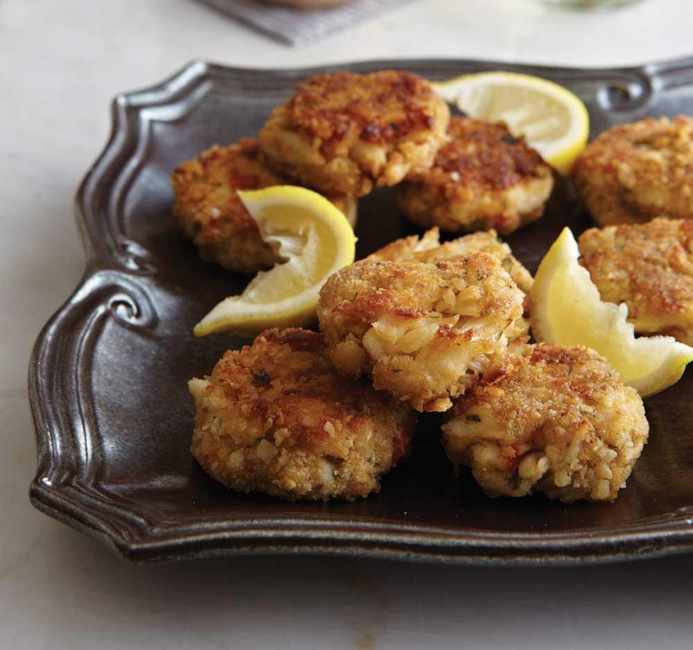 Recipe for Crab Cakes With Special Seafood Sauce