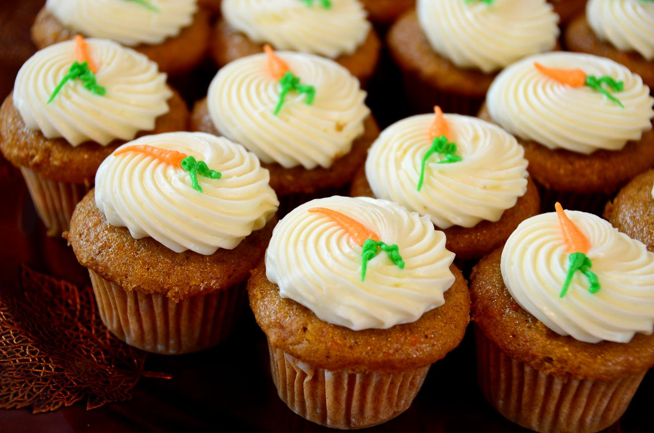 Recipe for Carrot Cupcakes with Cream-Cheese Frosting