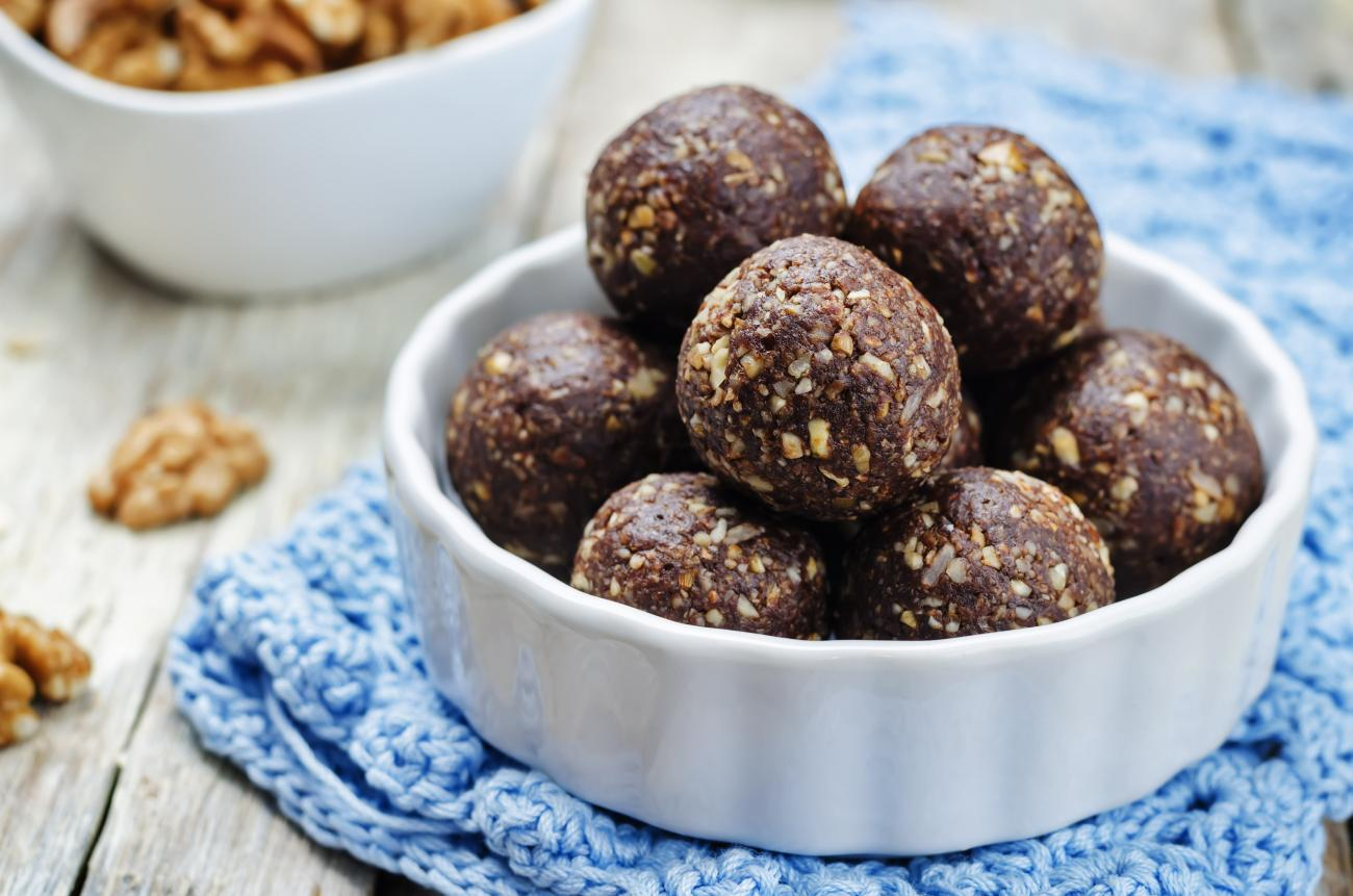 Recipe for Brown Burrs: Date-Nut Balls