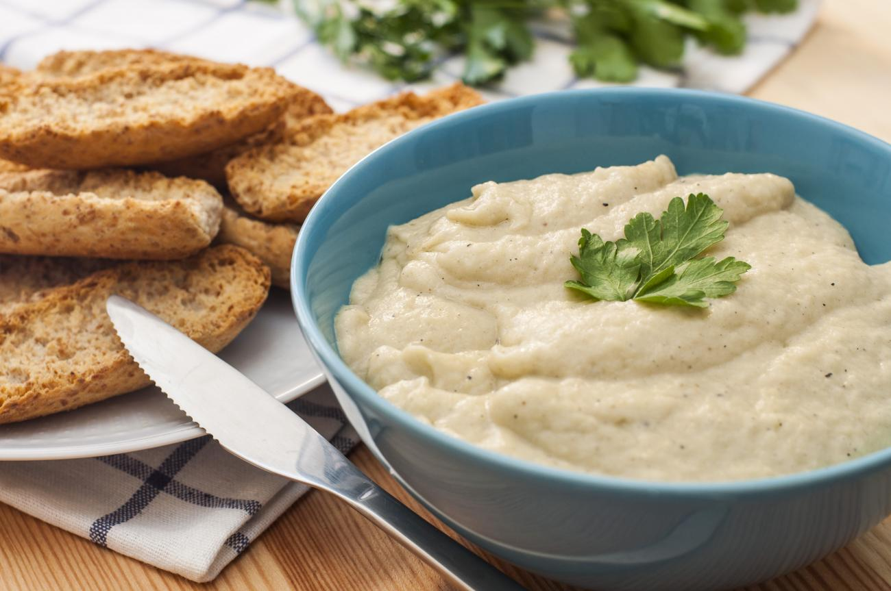 Recipe for Garlicky Eggplant Dip