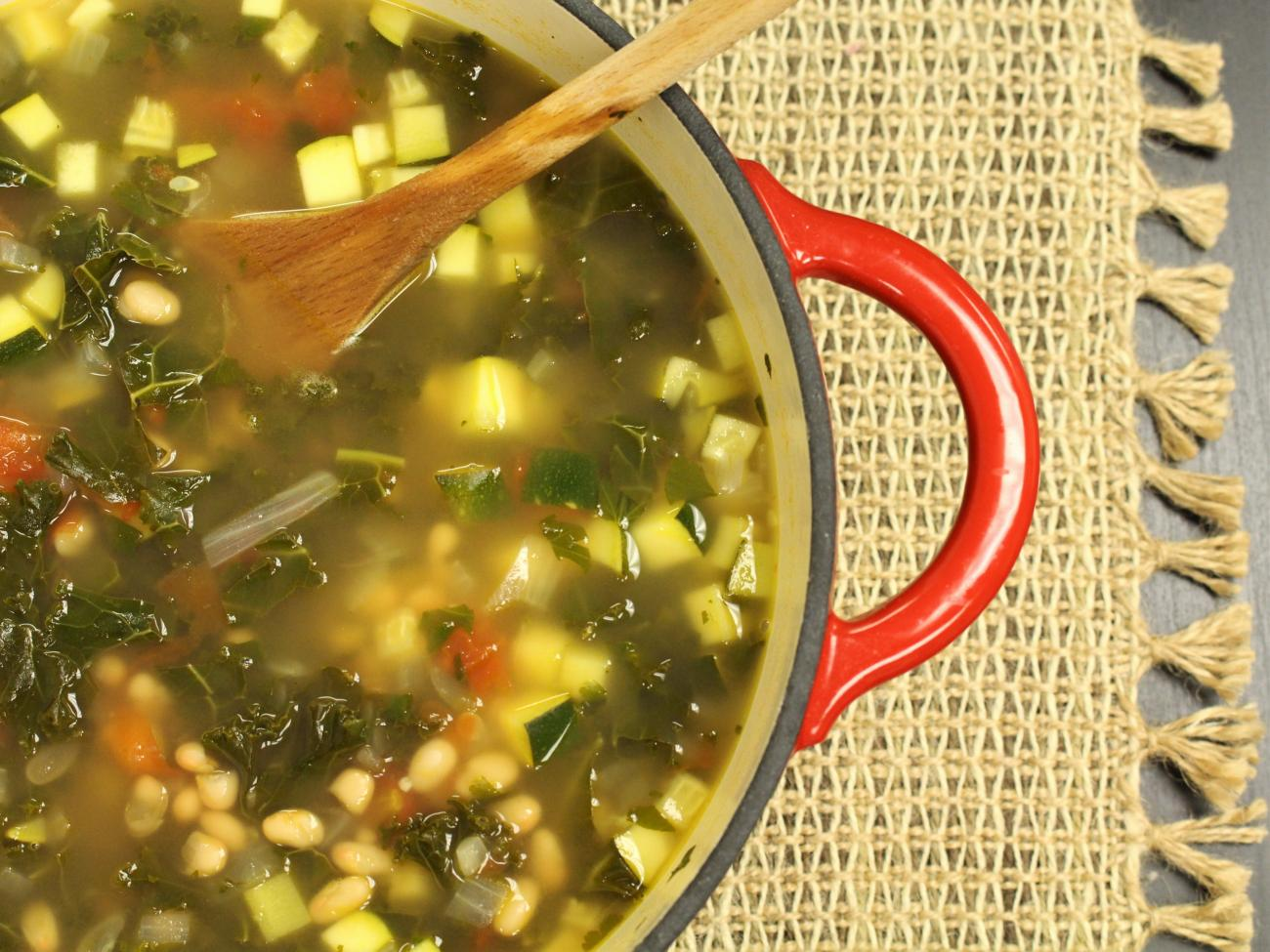 Recipe for Hearty Kale, Bean, and Zucchini Soup