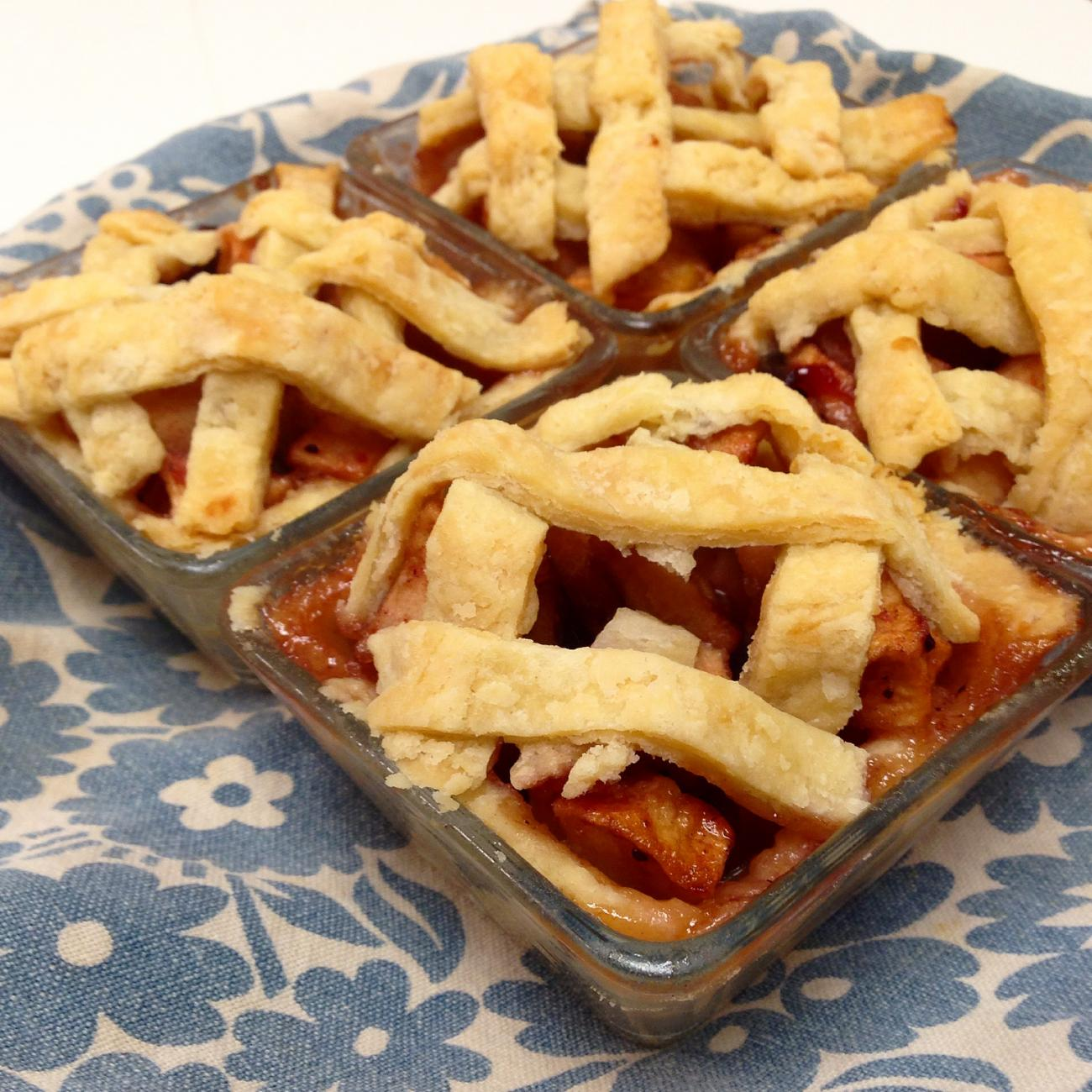Recipe for Mini Cranberry-Apple Pies
