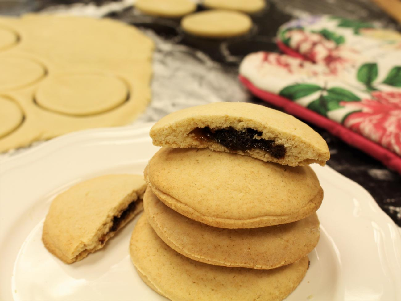 Recipe for Old-Fashioned Raisin-Filled Cookies