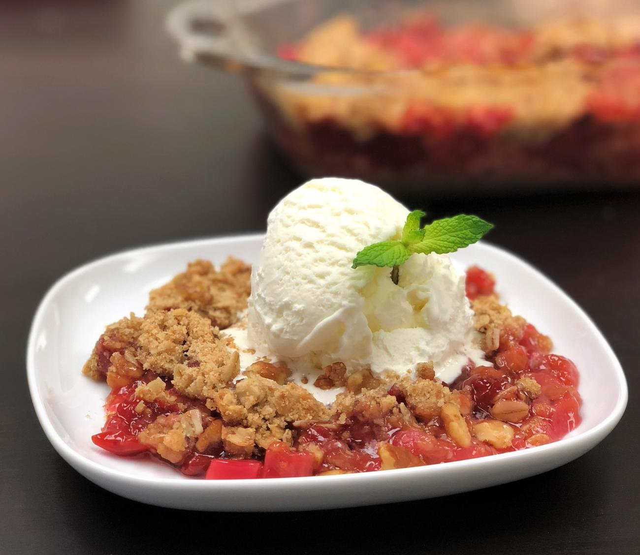 Recipe for Rhubarb-Cherry Crunch