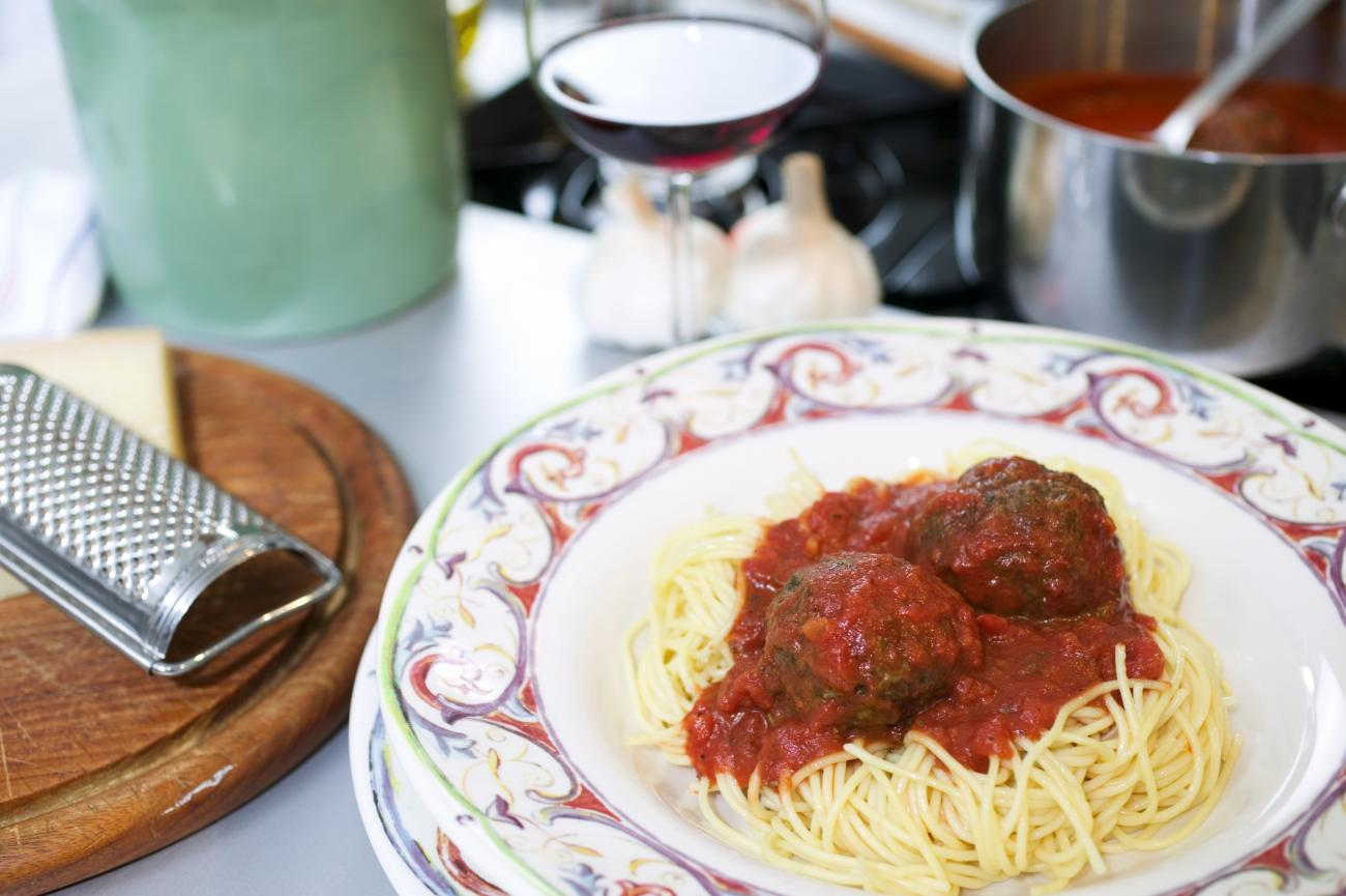 Recipe for John's Tomato Sauce with Meatballs