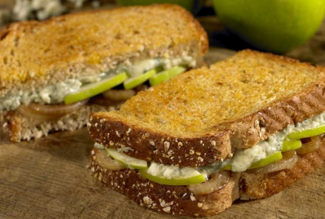 apple-blue-cheese-sandwiches.jpg