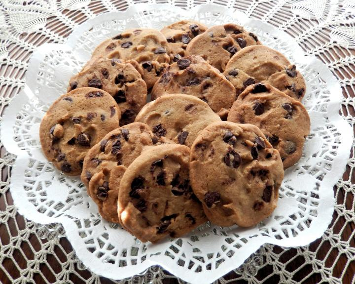 Chocolate chip cookies, by Pixabay