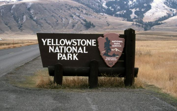 yellowstone-national-park-snow.jpg