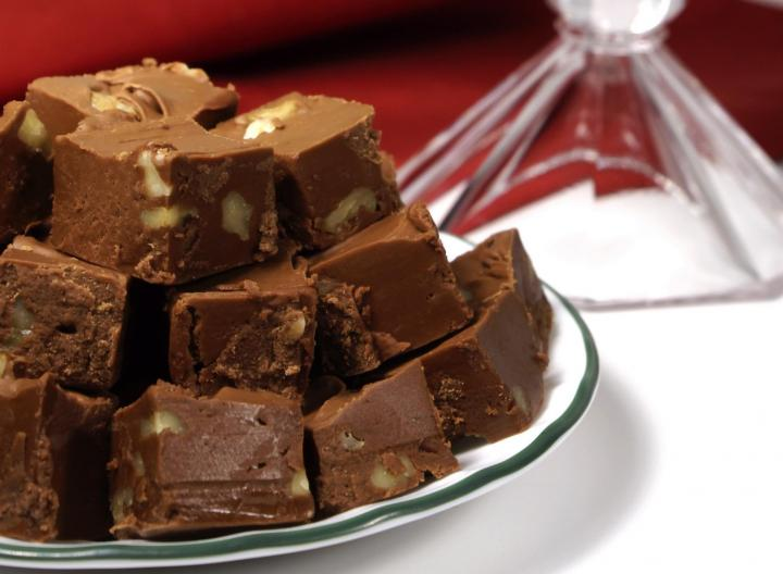 food-gifts-christmas-fudge_full_width.jpg