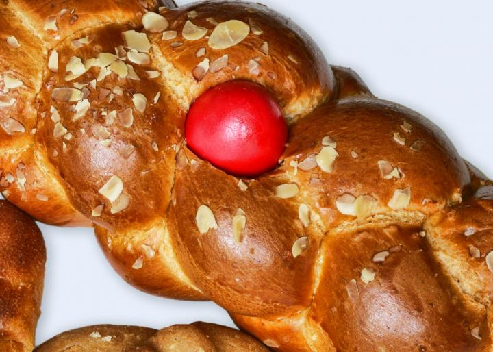 Greek Easter Bread (Lambropsomo). Photo by Pasta/Shutterstock.