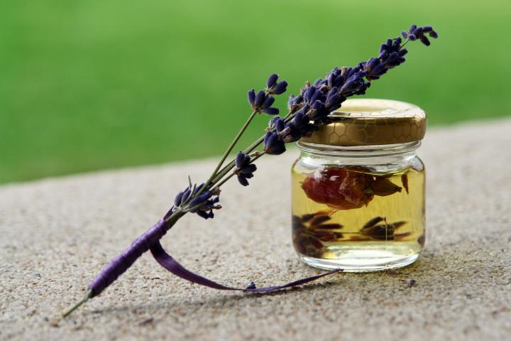 lavender-oil-anxiety-relief.jpg