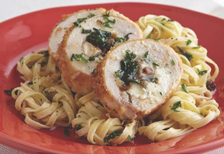 spinach-and-cheese-stuffed-chicken_0_full_width.jpg