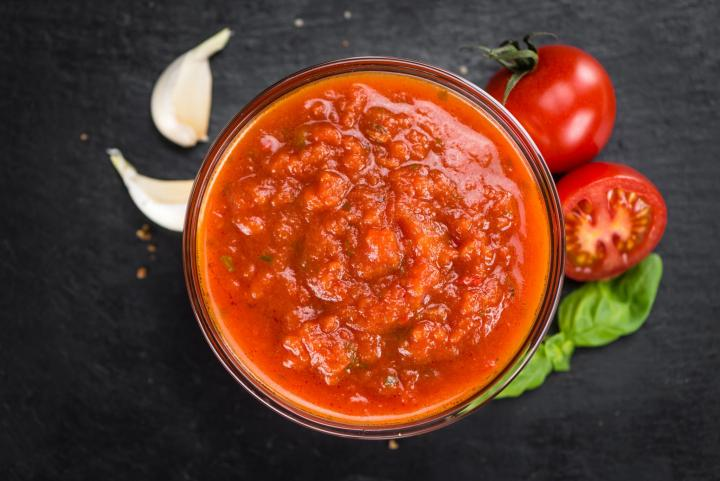 Slow cooker tomato sauce. Photo by HandmadePictures/Shutterstock