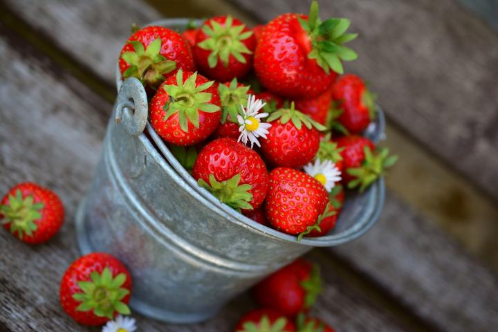 strawberries-3431122_1920_full_width.jpg