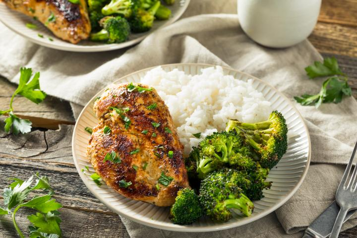 grilled-chicken-summer-herbs_0.jpg