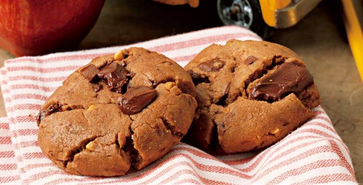 Chocolate Chunk Peanut Butter Cookies. Photo by Becky Luigart-Stayner