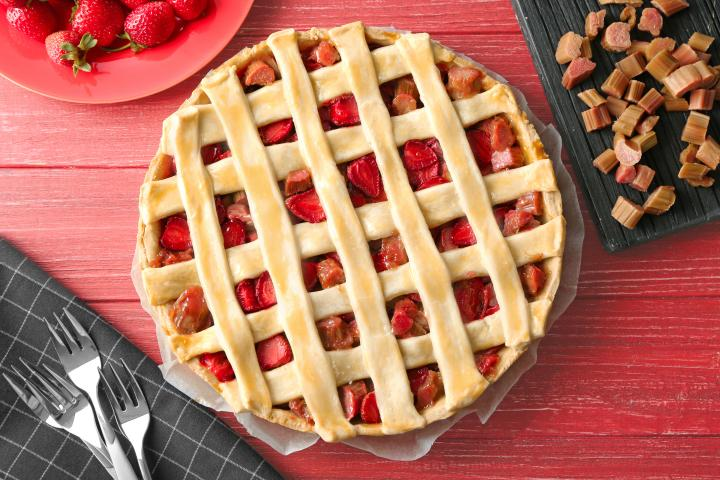 recipe-strawberry_rhubarb_pie_0.jpg