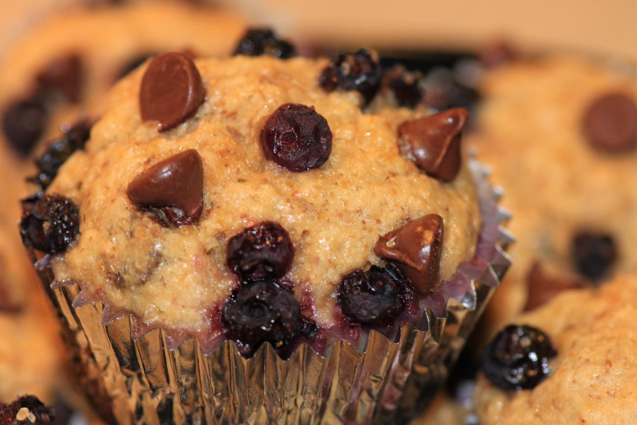 Oat Bran–Banana-Blueberry Muffins