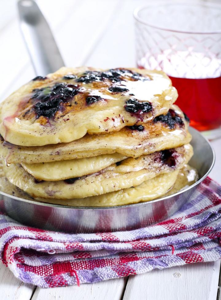 blueberry-buttermilk-pancakes.jpg