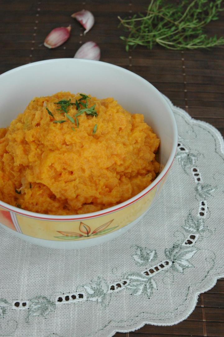 garlic-mashed-sweet-potatoes.jpeg