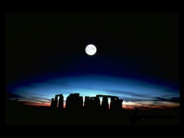 stonehenge-full-moon.jpeg